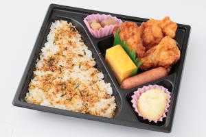②唐揚げ弁当/電子レンジ対応 320円(税込)